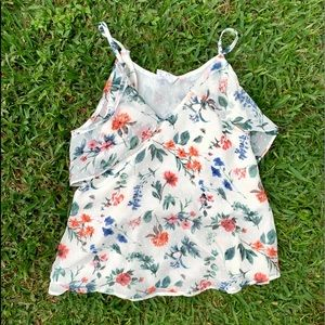 Floral top ☀️🌿